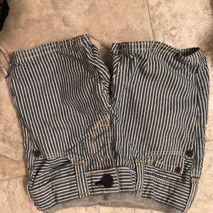 2 for $20 6-12m boys shorts GAP